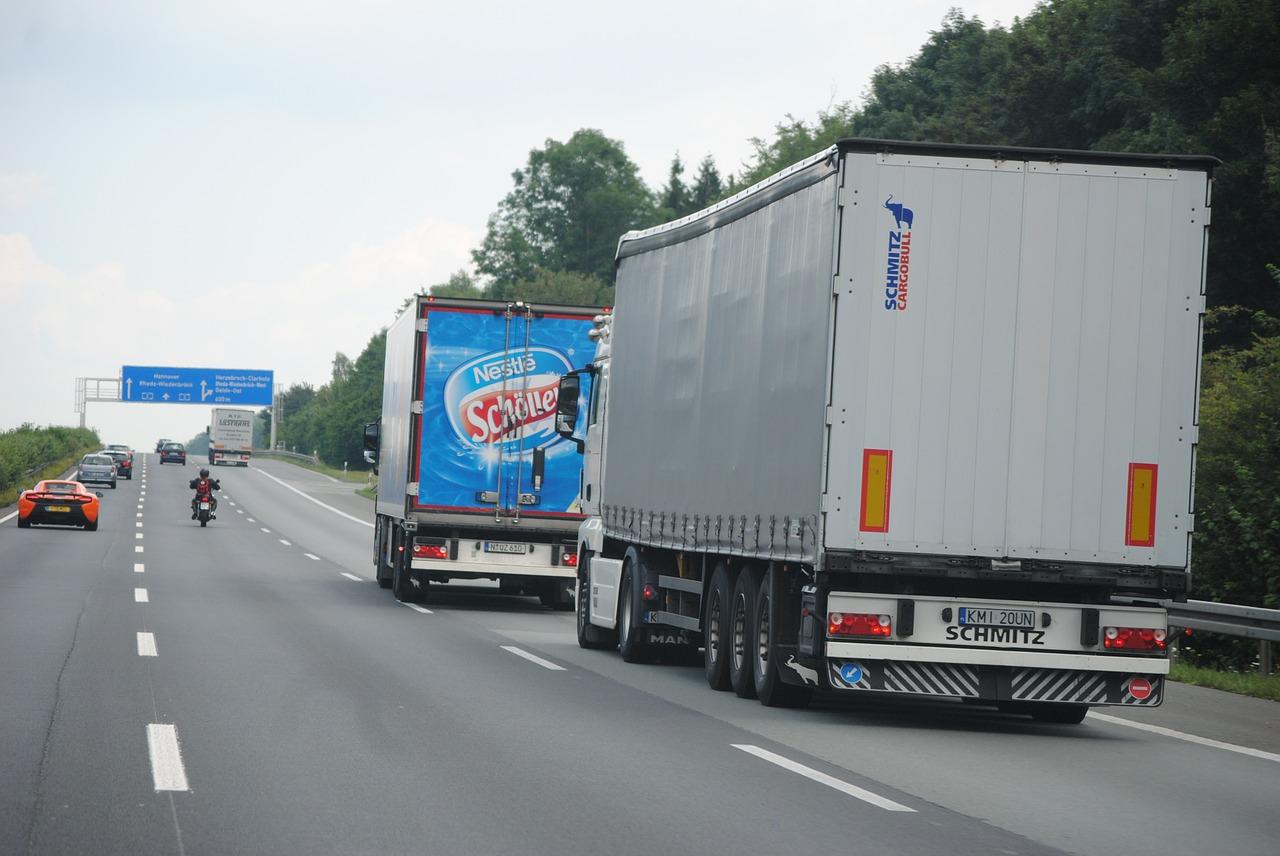 トラック 運転