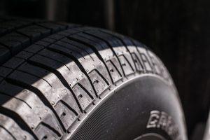 事故防止のためのトラックタイヤ・チェックリスト