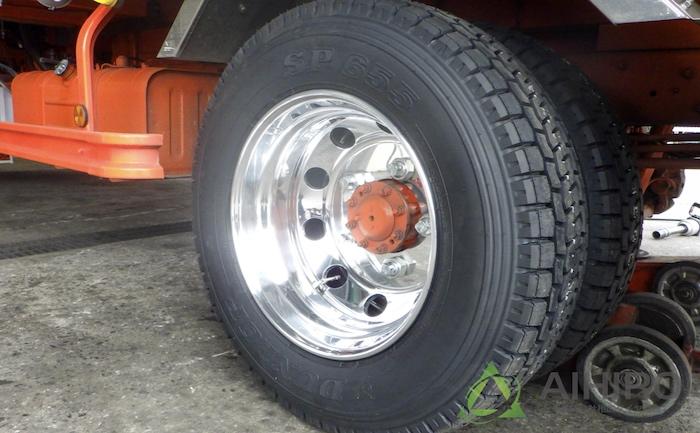 トラック リアタイヤ 相広タイヤ