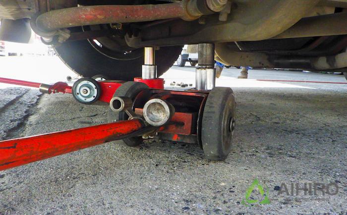 ジャッキ タイヤ交換 相広タイヤ