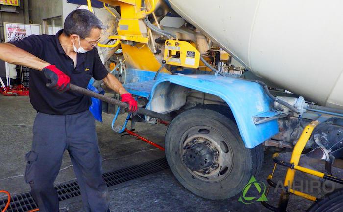 鉄パイプ タイヤ交換 修理
